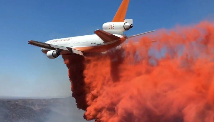 Retardant Drop on Tee Fire - AZ